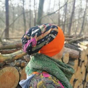 czapka damska wiosenna uniwersalna kolorowa wzorzysta