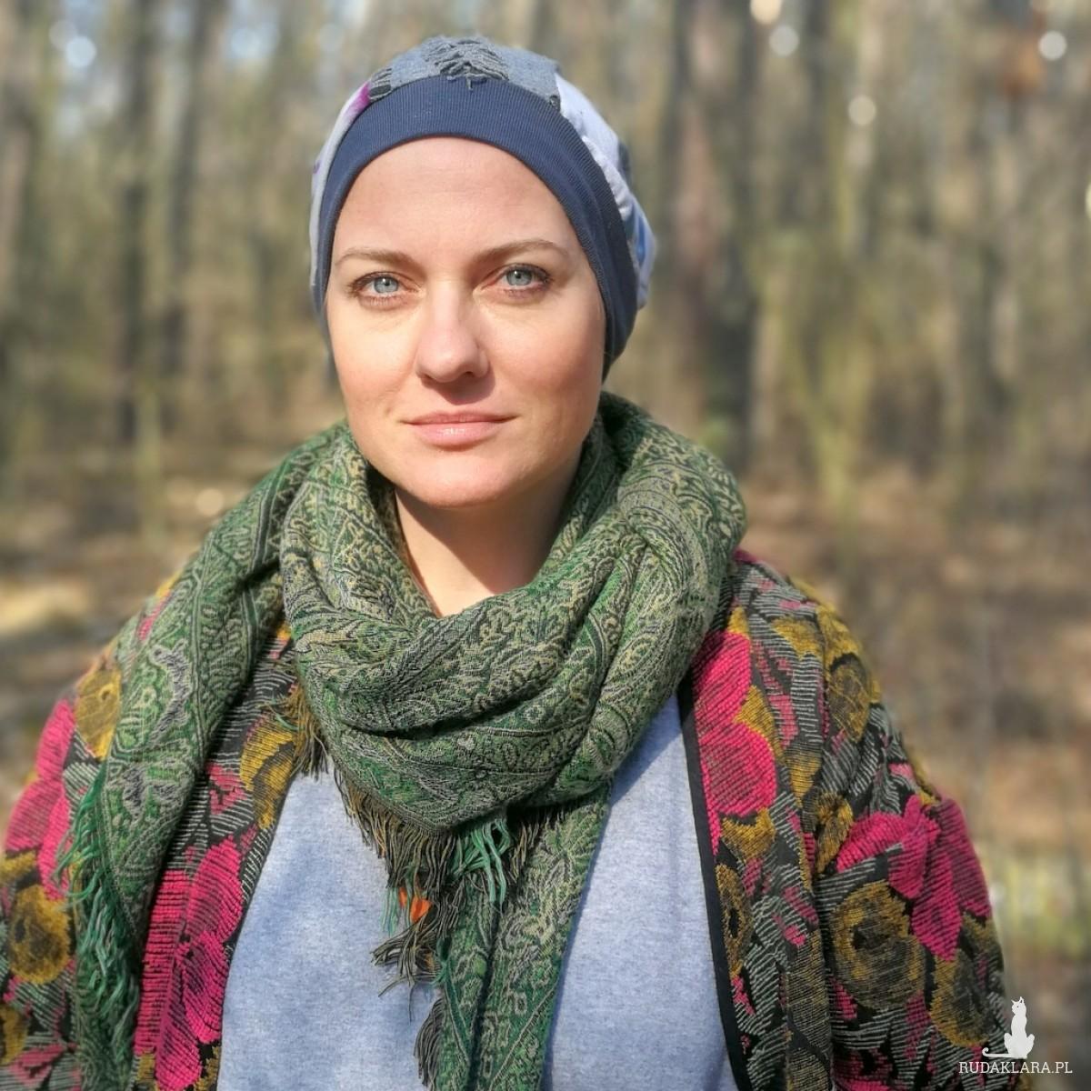 czapka damska szyta patchworkowo farbowana ręcznie