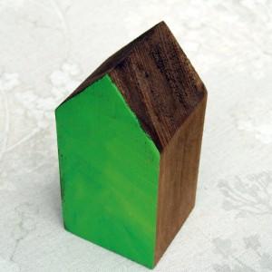Drewniany domek z pejzażem (średni)
