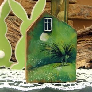 Drewniany domek z malowanym pejzażem (duży)