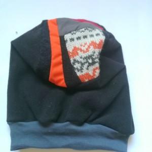 czapka damska czarna z patchworkową góra