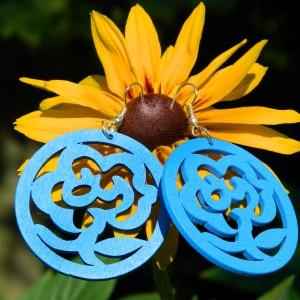Kolczyki niebieskie kwiaty, kolczyki boho hippie, biżuteria drewniana