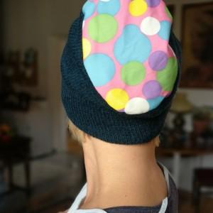 czapka damska turkus w grochy