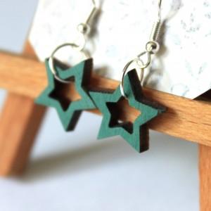 Drewniane kolczyki z gwiazdami