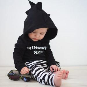 Czarna Bluza dla chłopca z napisem i kapturem kroko