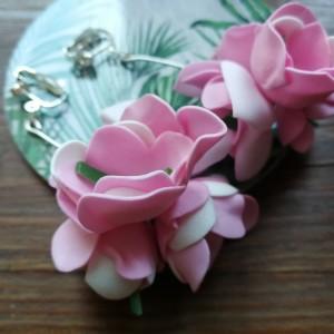 Klipsy pudrowe kwiaty wiszące