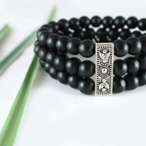 Elegancka bransoletka z czarnych korali