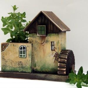 Drewniany organizer - Młyn brązowo-zielony