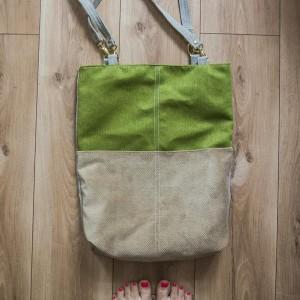 Zielono-beżowa torba z odpinanymi paskami