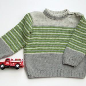 Sweterek dla chłopca, szaro-zielone paseczki