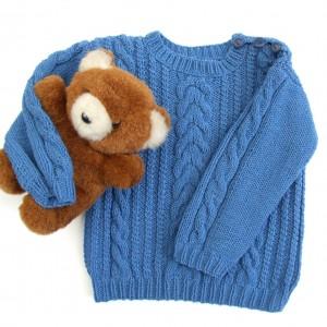 Sweterek dla dziecka, ręcznie robiony, niebieski