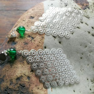 klipsy długie duże boho kolor zielono- srebrne