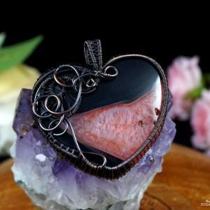 Agat czarno czerwony Miedziany wisior z agatem, ręcznie wykonany, prezent dla niej, prezent dla mamy, prezent urodzinowy, biżuteria autorska