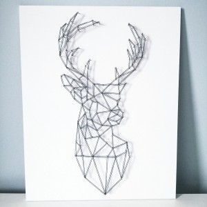 Dekoracja ścienna geometryczny jeleń string art biały