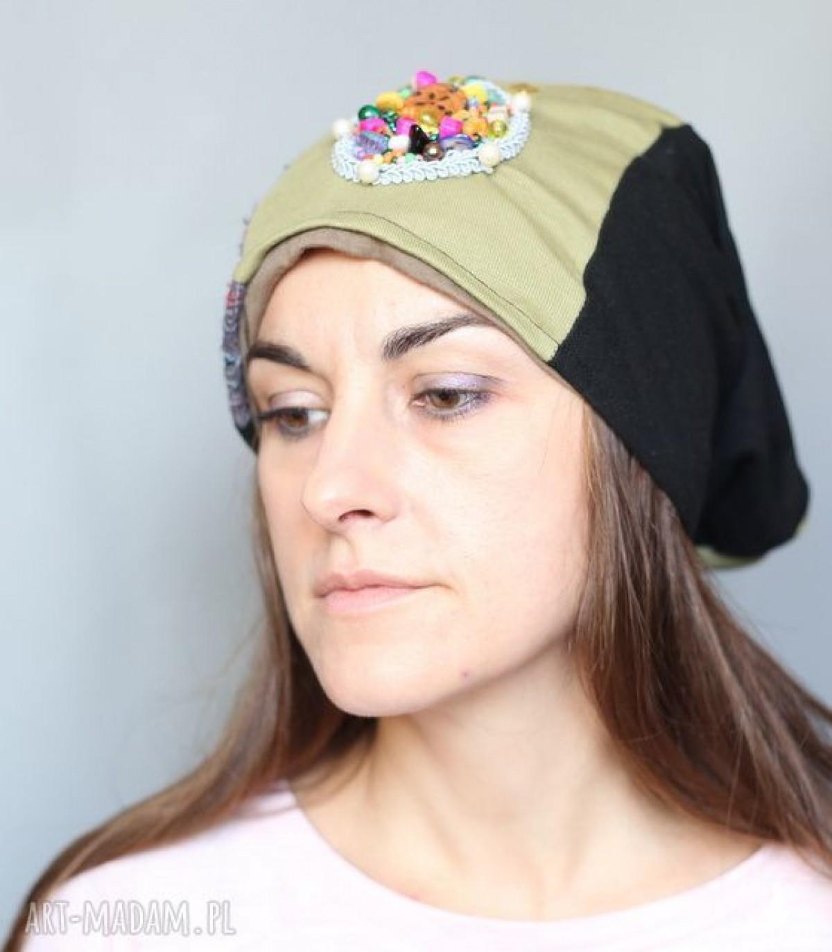 czapka damska wyszywana w stylu boho