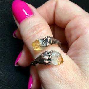 zawijany pierścionek z cytrynem