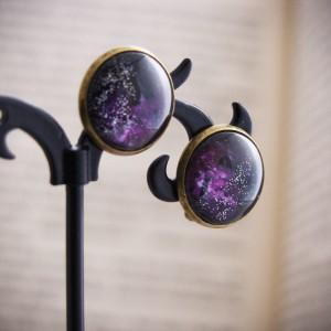 Retro klipsy z ręcznie malowanego szkła, galaktyka