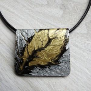 """Naszyjnik z zawieszką ręcznie malowaną """"Jesienny liść"""""""