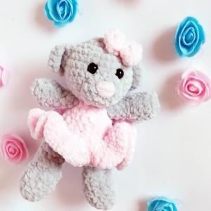 mały różowy miś