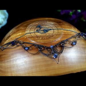Miedziany naszyjnik z ametystem, agatem i czaroitem ręcznie wykonany, prezent dla niej prezent, prezent urodzinowy, biżuteria autorska