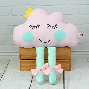 Chmurka z oczkami i nóżkami + KORONA – różowa