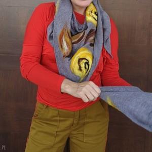 szara chusta handmade wełniana handmade
