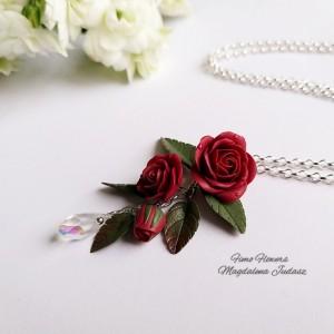 Zawieszka z bordowymi różami