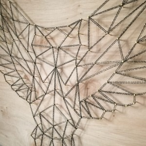 Geometryczny obraz string art sowa