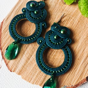 Zielone kolczyki koła z perłami Swarovski