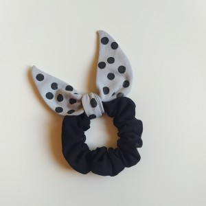 Gumka do włosów (scrunchie) – czarna z szarymi skrzydełkami