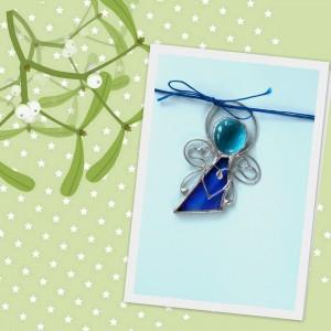 Kartka z niebieskim aniołkiem - życzenia świąteczne