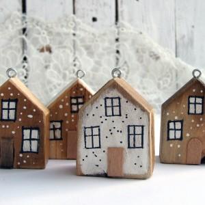 4 drewniane domki - zawieszki, bombki, dekoracja