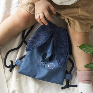 Ciemnoniebieski mini plecak króliczek