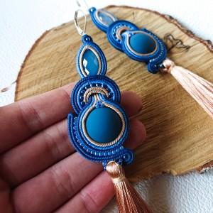 Beżowo-niebieskie kolczyki z chwostami