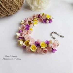 Bransoletka z kwiatami