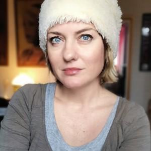 czapka damska futrzana smerfetka