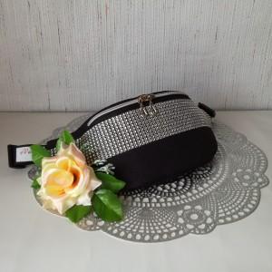 Nerka saszetka biodrowa wodoodporna handmade torebka na pas torebka na ramię czarna pikowana z ozdobnym błyszczącym pasem