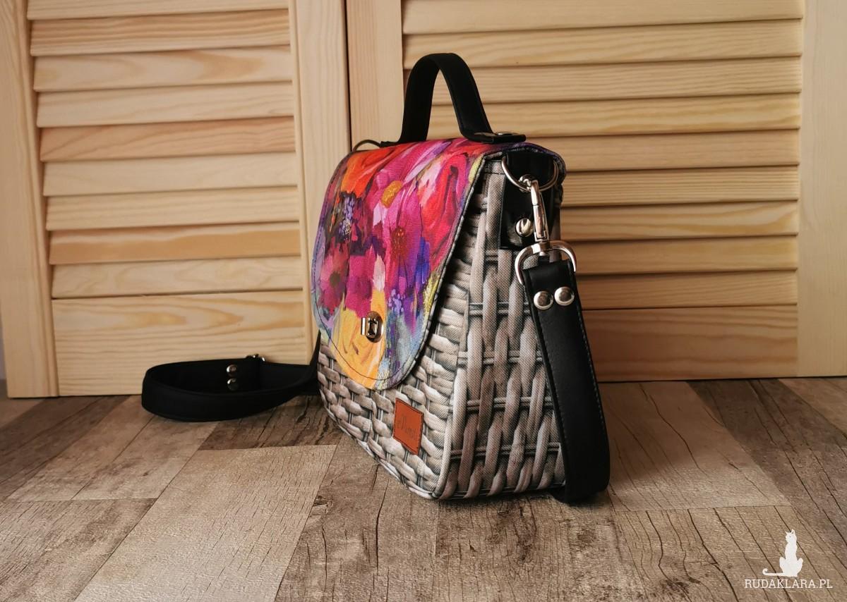 Torebka damska wodoodporna torebka na ramię torebka do ręki handmade torebka z klapką listonoszka  kolorowe kwiaty