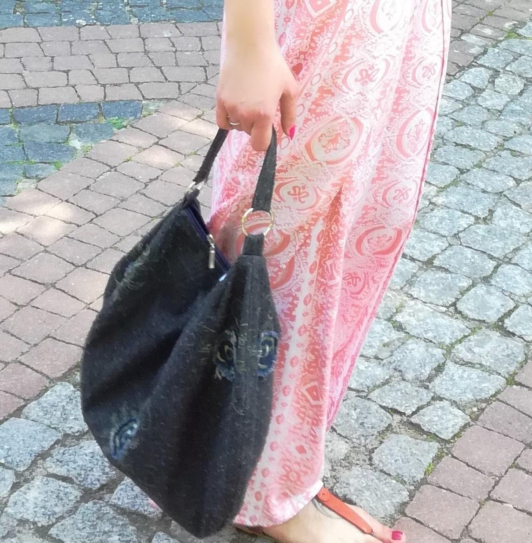 Torebka damska hobo worek  torebka na ramię torebka do ręki handmade jeans czarna z haftem