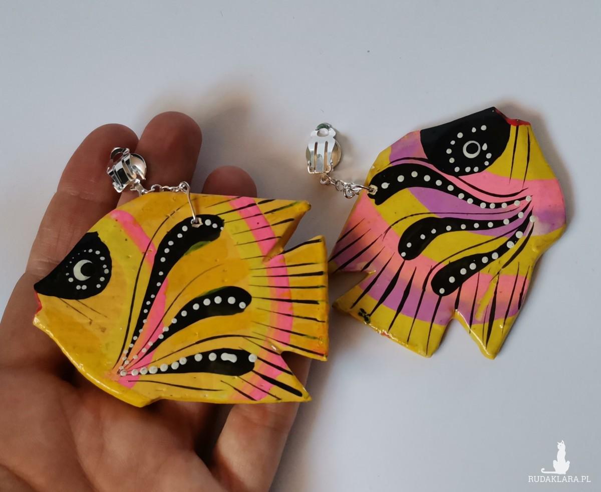 klipsy etno boho folk malowane drewniane rybki