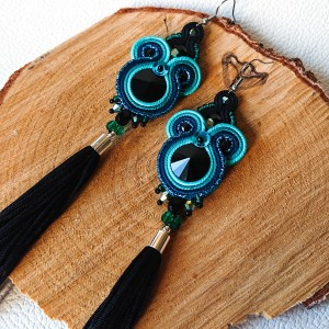 Czarno-turkusowe kolczyki sutasz z chwostami