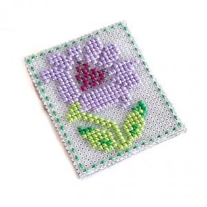 4654 broszka haft krzyżykowy rękodzieło