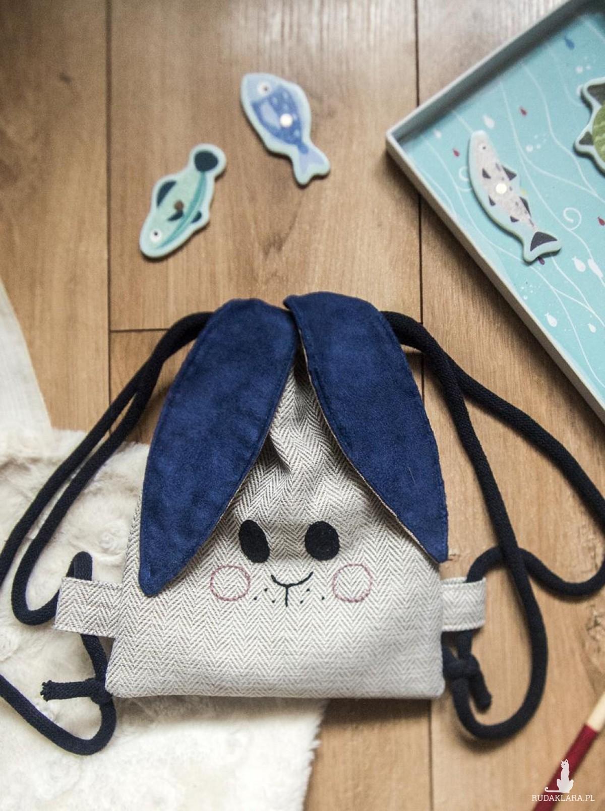 Mini plecak króliczek w jodełkę z granatem