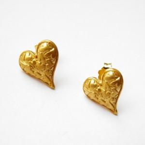 Kolczyki srebrne na sztyftach- Serduszka złote