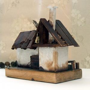 Stara zagroda - dekoracja z drewna
