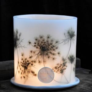 Lampion z podagrycznikiem i ceramiczną podstawką