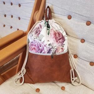 Piękny plecak damski w kwiaty