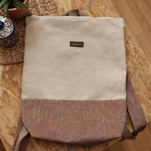 Zamszowy plecak z suwakiem jasny beż