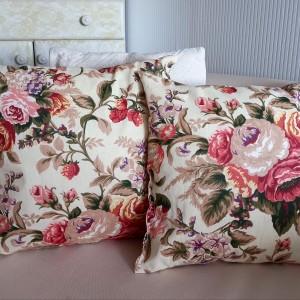 Poduszka dekoracyjna w kwiaty