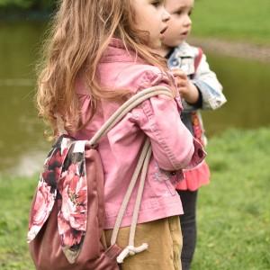 Dziecięcy plecak worek różowy królik